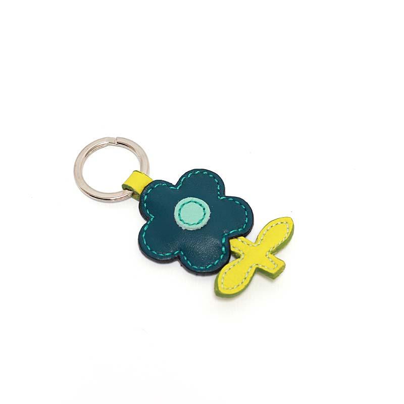 Leder Schlüsselanhänger in Blumenform Petrol