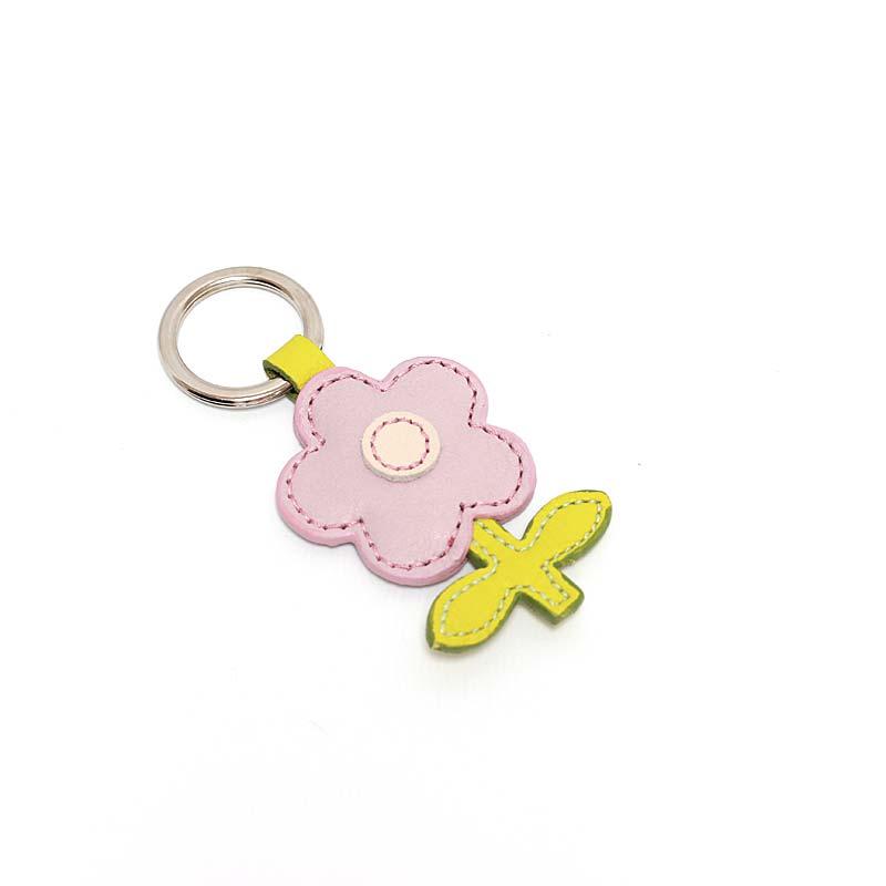 Leder Schlüsselanhänger in Blumenform Flieder Neutrals