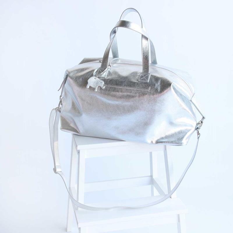 grosse reisetasche leder silber metallic