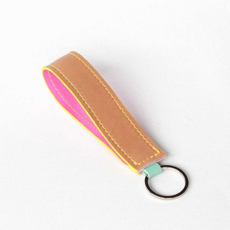 Lederband Schlüsselanhänger lang Braun Neon Pink